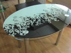 Столы стеклянные в Запорожье.