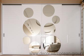 Дизайнерский шкаф-купе с крашеными фасадами и зеркалами. — Ocean Group