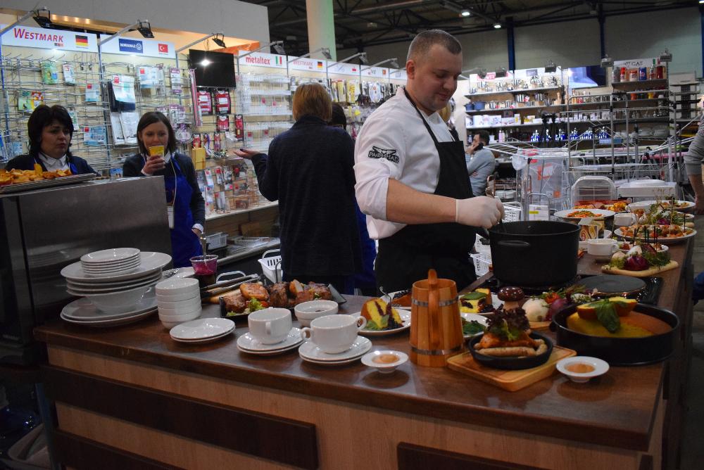 Широкий ассортимент кухонной и столовой посуды на ProMaisonShow 2018