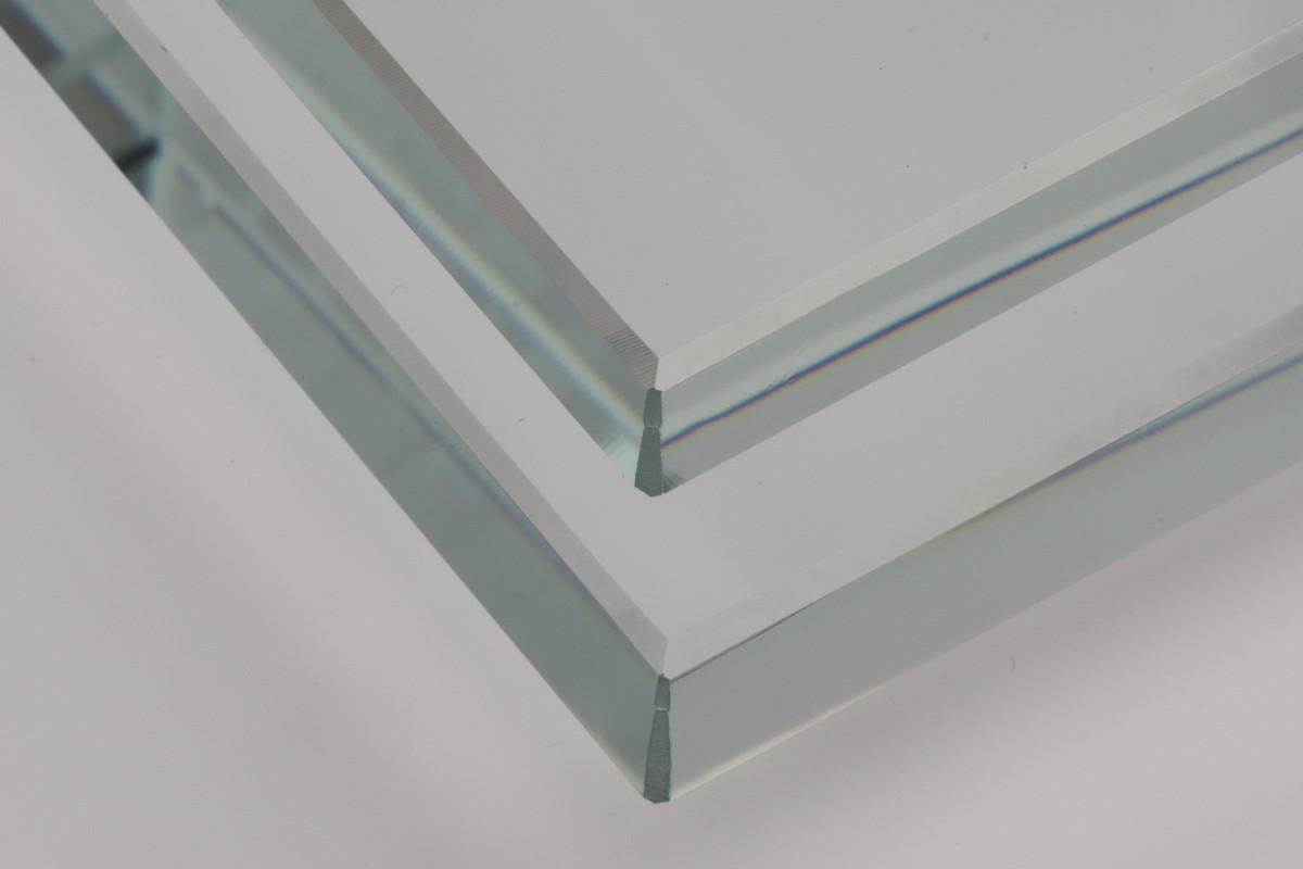 AGC представил новые толщины «прозрачного» стекла для мебели